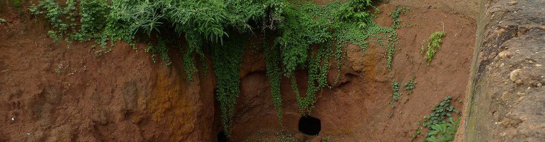 Le village souterrain de Bohicon : un site unique au Bénin
