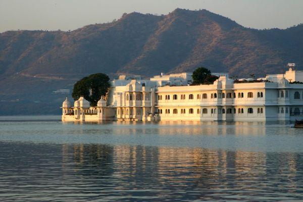 Tigres et palais du Rajasthan