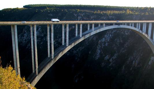 Le pont depuis lequel officie Bungie pour ses sauts à l'élastiques exceptionnels
