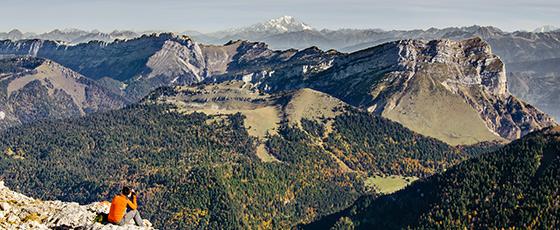 Pour profiter des conseils d'un expert local du Pays du Mont Blanc, suivez Pierrik, guide local, pour faire le tour du mont Blanc et admirez des panoramas à couper le souffle