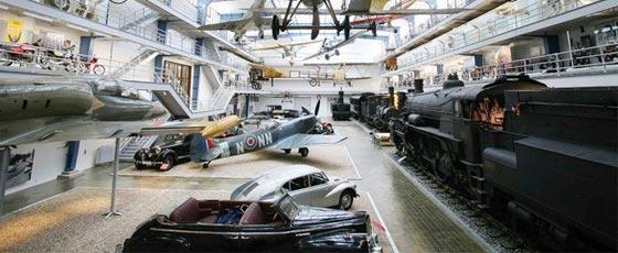 Le musée national des techniques pour découvrir l'histoire des moyens de transports à Prague.