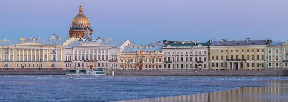 Dans le top 10 des choses à voir absolument en Russie : la paisible et majestueuse Saint-Saint-Pétersbourg !