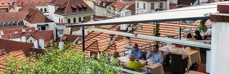 L'une des meilleures terrasses à Prague pour se restaurer.