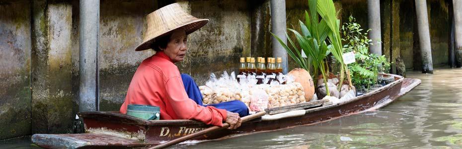 Sur le canal du Vieux Bangkok en Thaïlande.